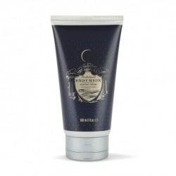 Endymion shaving cream di Penhaligon's è una crema da applicare sul viso prima della rasatura per un effetto più confortevole.