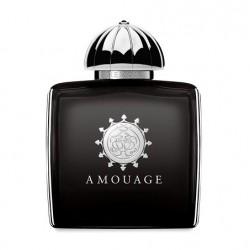 Memoir Woman di Amouage è una fusione speziata di assenzio che riprende la magia del Cigno Nero. Ha note olfattive di assenzio